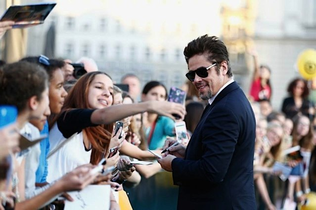 Benicio de Toro receiving his fans at the 2014 Zurich Film Festival!